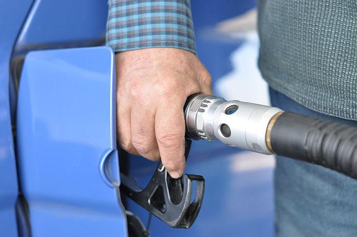 Poznaj sposoby, jak poradzić sobie z wysokimi cenami paliw na stacjach