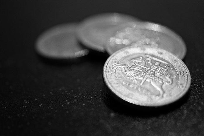 Różnice między inwestowaniem w metale przemysłowe a szlachetne